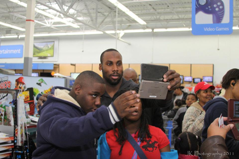Anquan Boldin Still Giving Back