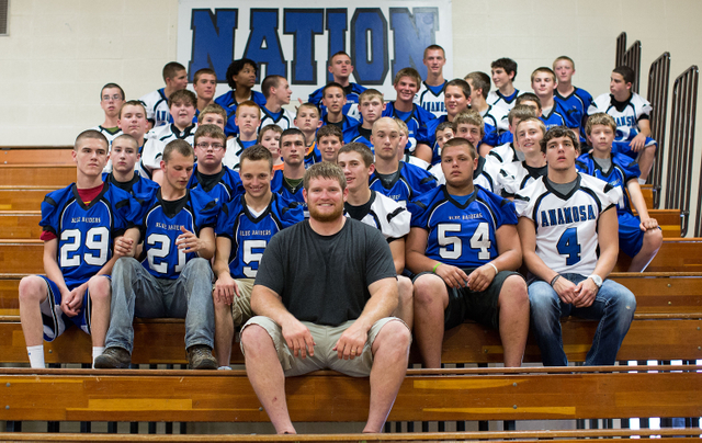 Marshal Yanda Gives Back to High School