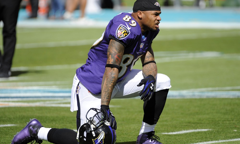 Steve Smith Draws The Finish Line
