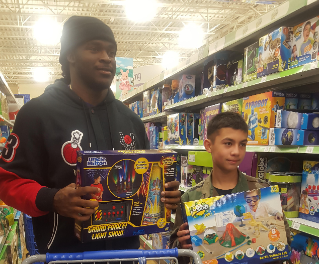 Perriman Takes Part in Toys for Tots