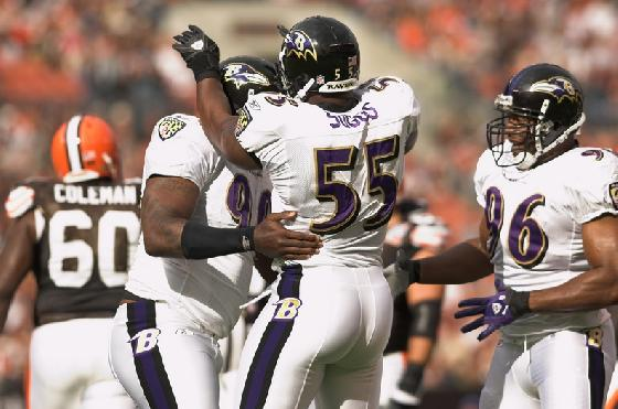 SUGGS UNCONCERNED ABOUT CONTRACT TALKS