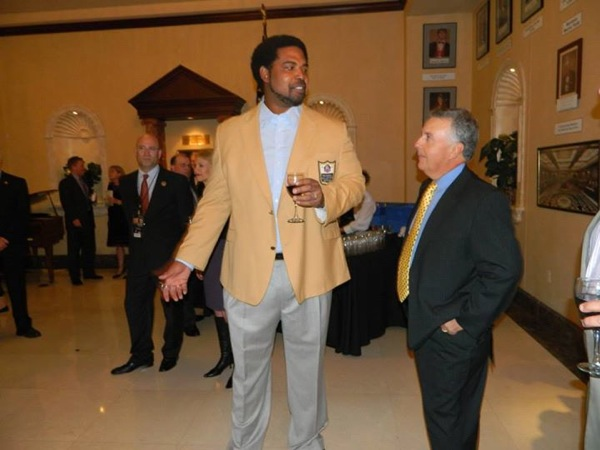 Jonathan Ogden Shines at First Annual Grand Legacy Gala