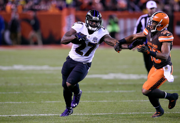 Ravens RB Terrance West gets the corner along the right side of the formation against the Cleveland Browns