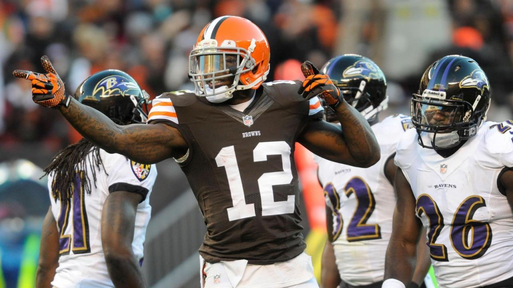 Browns WR Josh Gordon signals for a first down after making a catch against the Baltimore Ravens.