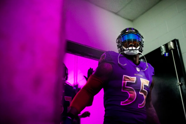 Terrell Suggs in the tunnel.