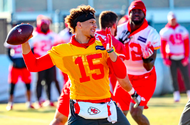 Patrick Mahomes throws in practice.