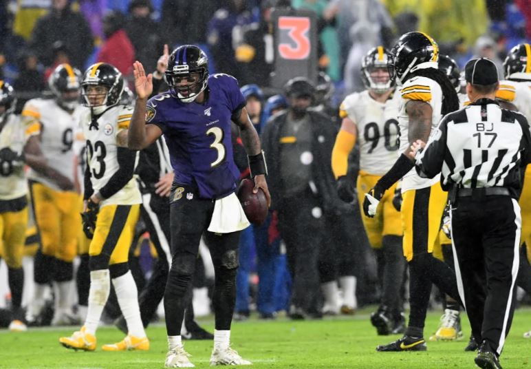 Ravens Cruise in the Rain, 28-10